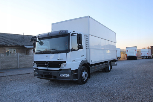 Изотермический грузовик MERCEDES-BENZ ATEGO 1218, IZOTERMA 8,85m – фото 2