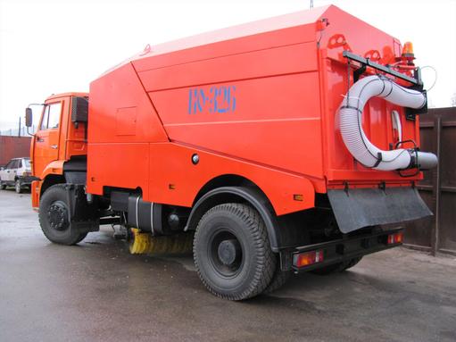 Вакуумная подметально-уборочная машина КО-326-05 – фото 1