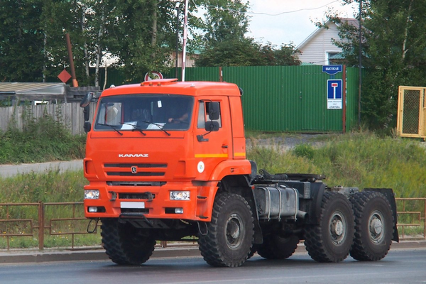 Тягач КАМАЗ 65221-6020-53 – фото 1