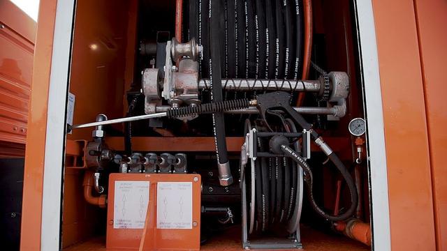 Комбинированная каналопромывочная и илососная машина МВс-6-Одг КамАЗ 65115 – фото 2