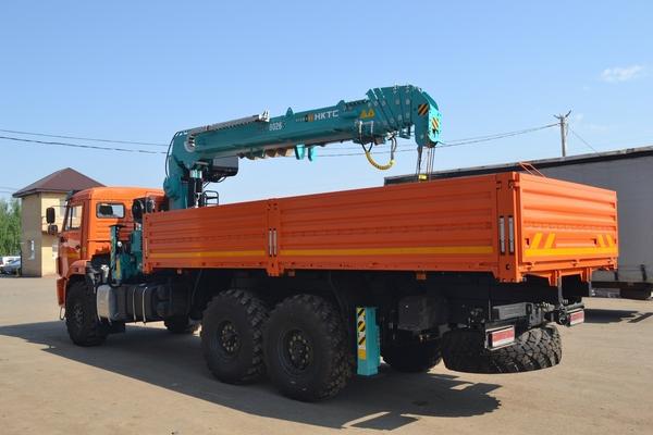 Кран-манипулятор  с кму КамАЗ-43118 Евро-5 с КМУ  EVERDIGM HKTC HLC-8026а Корея. Стальная платформа 6,2м. Передние и задние раздвижные аутригеры в комплекте буровым оборудованием. – фото 3