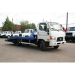 Автоэвакуатор со специальной стационарной ломаной платформой на базе Hyundai HD-78 для перевозки автомобилей премиум класса – фото 1